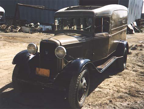 V8 1 1/2 Ton Panel Truck